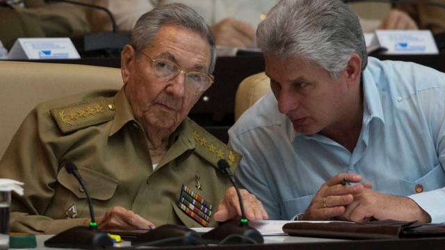 Miguel Díaz-Canel é eleito novo presidente de Cuba