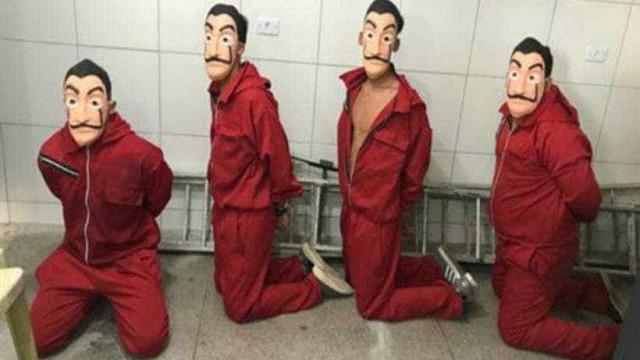 Youtubers vestidos de 'La Casa de Papel' pagam fiança e são liberados