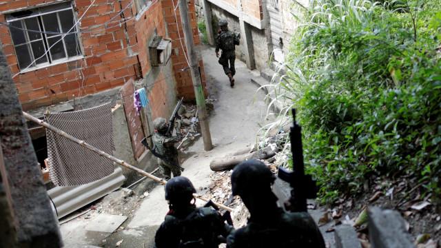 Polícia deflagra operação de combate a milicianos no Rio