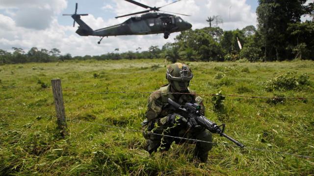 Colômbia busca outro país para mediar paz com guerrilha