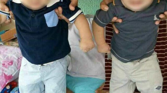 Famílias de bebês trocados na maternidade sofrem com 'destroca'