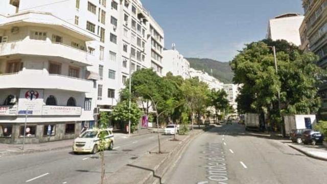 Mulher reage a assalto e imobiliza ladrão no Rio