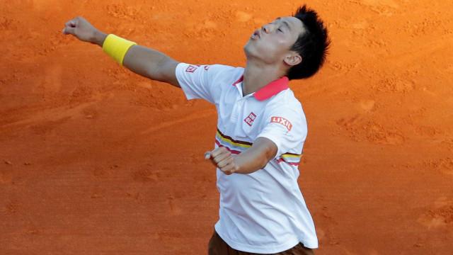Nishikori bate Zverev e enfrentará Nadal na final de Montecarlo