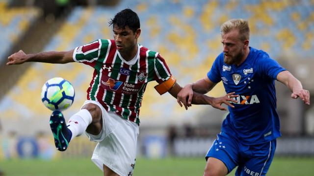 Com um a menos, Flu segura pressão e vence o Cruzeiro no Maracanã
