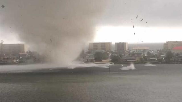 Assustadora tromba d'água atinge cidade na Flórida