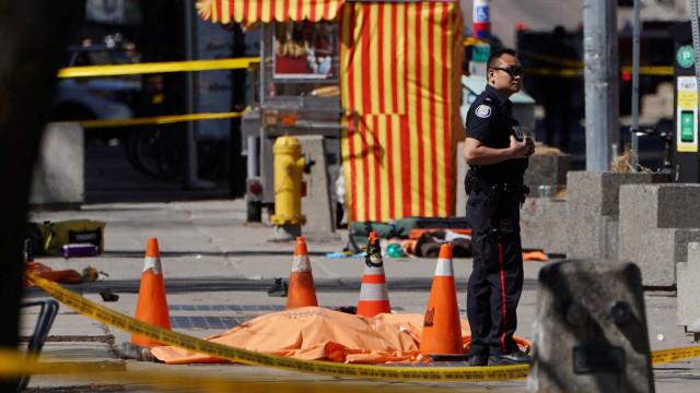 Atropelamento em massa no Canadá deixa ao menos dez mortos