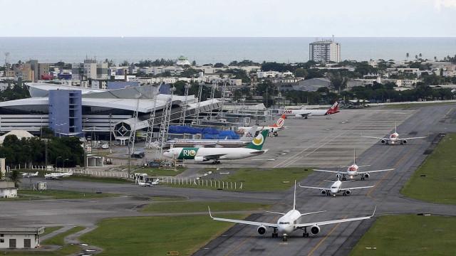Avião colide com pássaro e fica mais de 1h sobrevoando o Recife