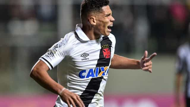 Vasco vende Paulinho para o Bayer Leverkusen