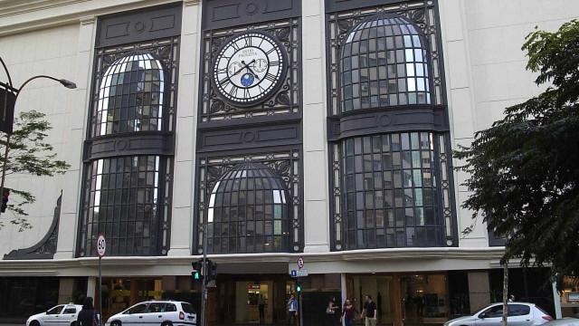 Polícia isola andar do shopping Paulista após mulher ser feita refém