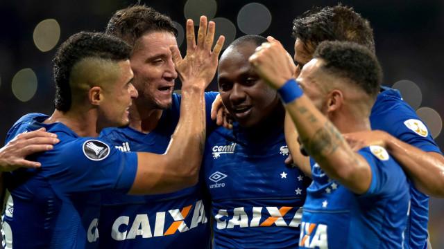 Cruzeiro faz 7 a 0 no Mineirão e vence primeira na Libertadores