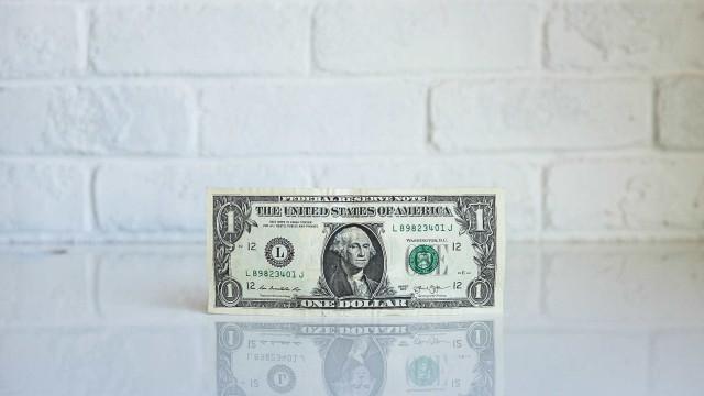Dólar cai pelo 3º dia seguido e fecha a R$ 3,63
