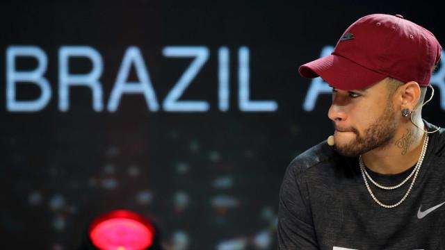 Prefeitura manda interditar boate de Neymar no Rio
