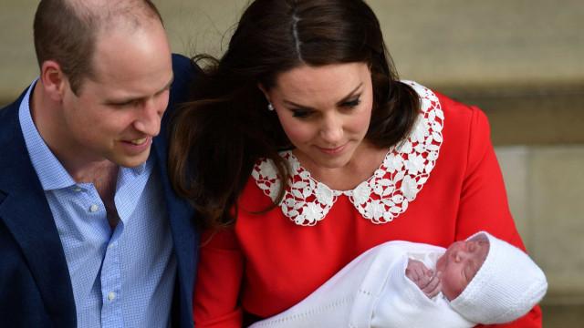 William e Kate Middleton anunciam batizado de príncipe Louis para julho