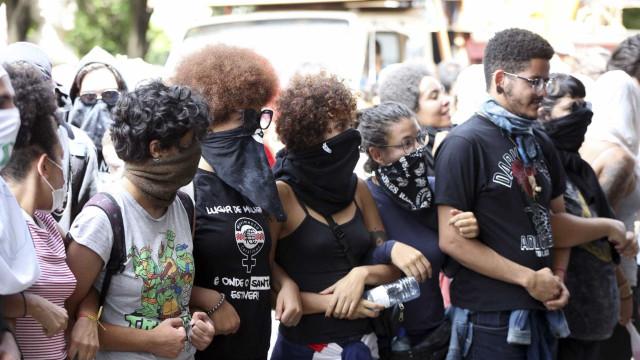 15º dia: alunos da UnB decidem manter ocupação na reitoria