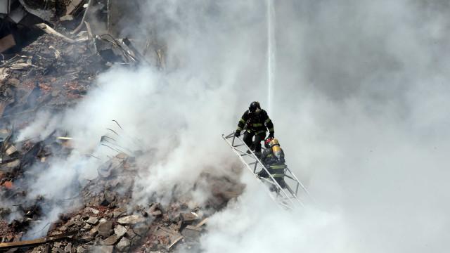 Homem tentava salvar moradores ao ser engolido pelo fogo