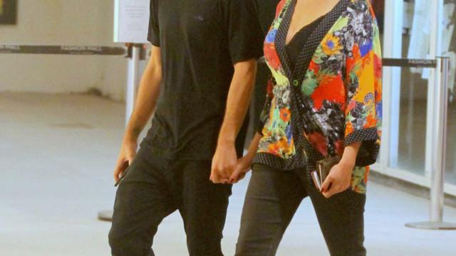 Ex-Casseta Maria Paula passeia com o noivo 20 anos mais novo