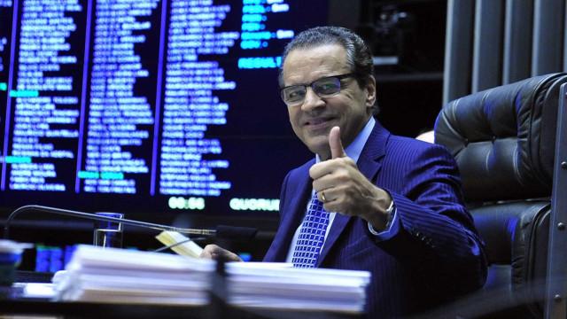 Ex-ministro Henrique Alves vai para prisão domiciliar