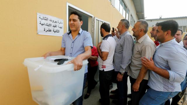 Líbano e Tunísia testam poder da democracia no mundo árabe