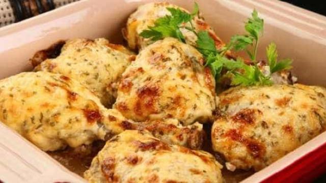 Simples, saboroso e barato: faça um frango com maionese