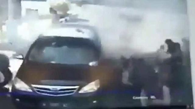 Bomba escondida em moto explode e deixa vários feridos na Indonésia
