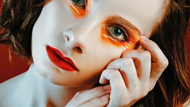 15 inspirações de sombra colorida para você ousar