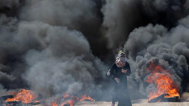 Ato contra embaixada dos EUA deixa 10 mortos e 500 feridos em Gaza