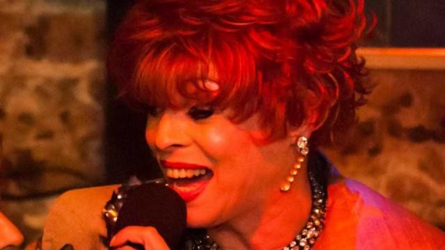 Morre, aos 66 anos, primeira travesti a atuar em novela no Brasil