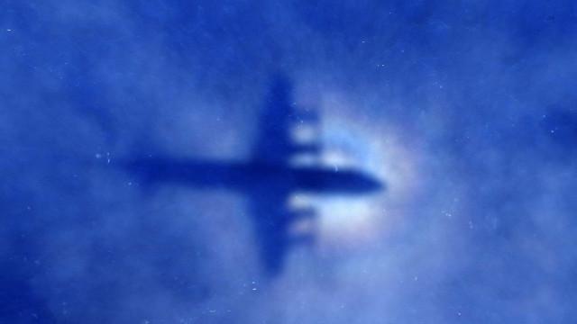 Nova teoria sobre voo sumido há quatro anos sugere 'massacre' do piloto