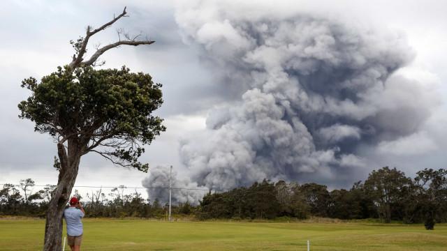 Havaí está em alerta de 'grande erupção vulcânica iminente'