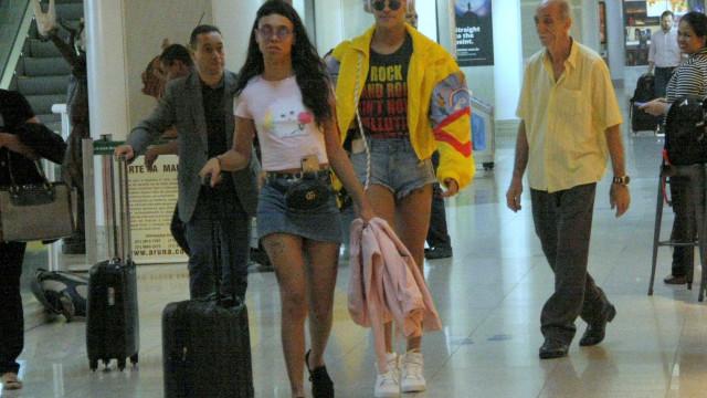 'Desmontada', Pabllo Vittar embarca com estilo em aeroporto