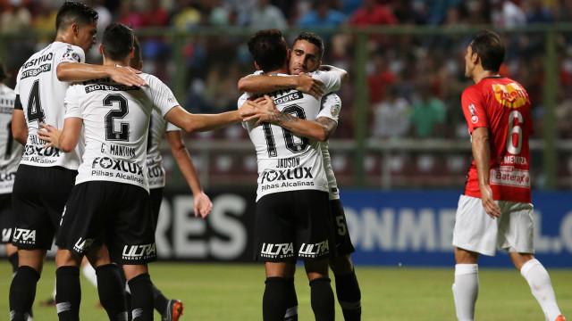 Com 13 jogos em 42 dias, Corinthians terá nova maratona após a Copa
