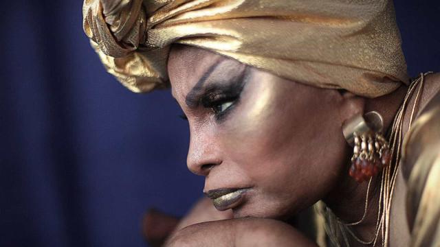 Em musical, Elza Soares vê sua história refletida em sete atrizes
