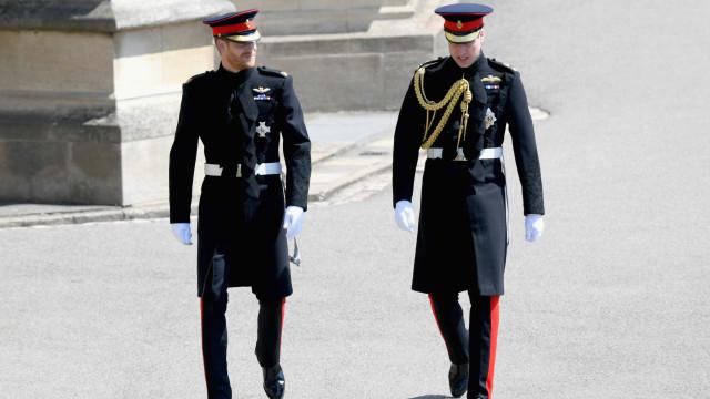 Harry chega a Castelo de Windsor para casamento com Meghan