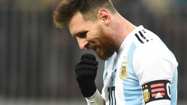 Anúncio na Argentina tenta resgatar apoio da torcida antes da Copa