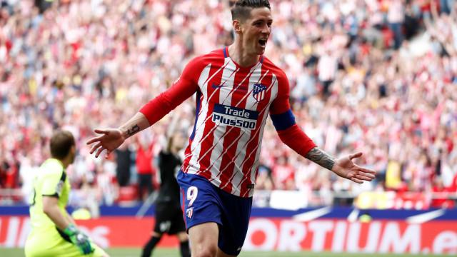 Fernando Torres marca duas vezes em sua despedida do Atlético de Madrid