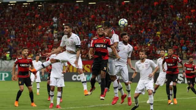 Corinthians empata com o Sport e perde chance de liderar o Brasileirão