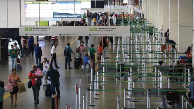 Sem combustível, protesto de caminhoneiros cancela voos para Brasília