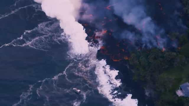 Erupção vulcânica atinge barco no Havaí e deixa 23 feridos