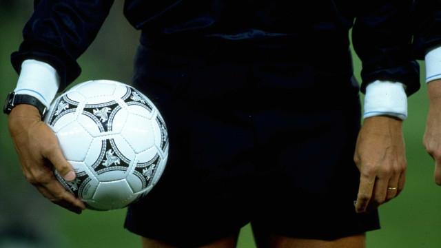 Ex-árbitro brasileiro que apitou Copa do Mundo implanta chip no cérebro