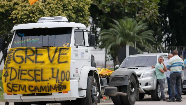Greve continua: Temer pede trégua de 3 dias e caminhoneiros negam