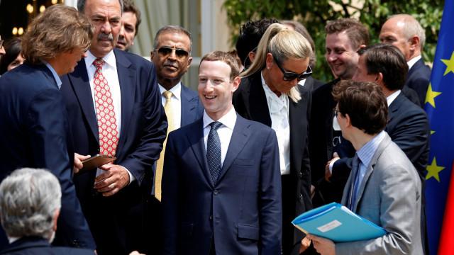 Zuckerberg é acusado de criar 'esquema malicioso' para explorar dados