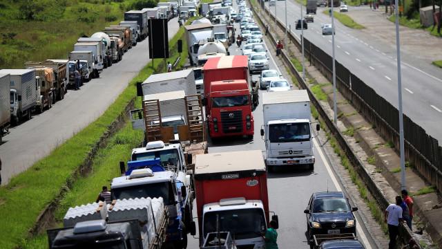 Caminhoneiros pedem 60 dias de prazo de desconto de 10% no diesel