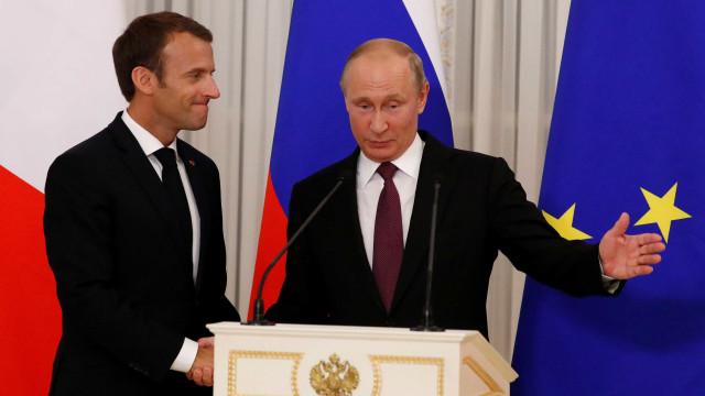Putin recebe Macron e lamenta decisão de Trump sobre Kim