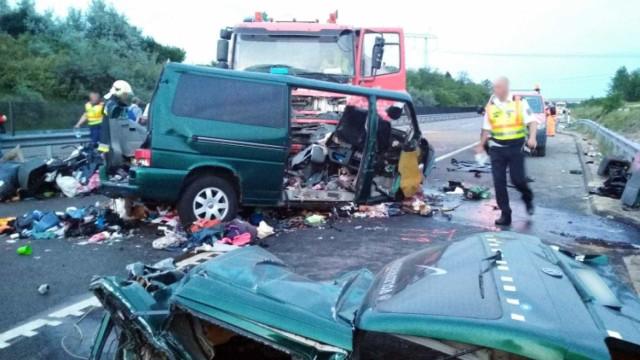 Colisão deixa nove mortos na Hungria; motorista fazia live no Facebook