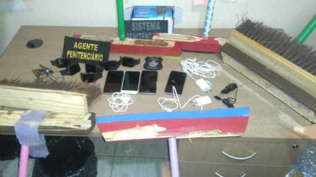 Advogado é detido tentando entrar em presídio com celulares escondidos