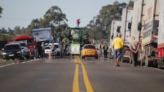 Caminhoneiros decidirão em cada local sobre suspender greve