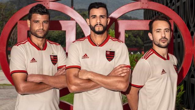 Flamengo divulga novo segundo uniforme do clube; confira