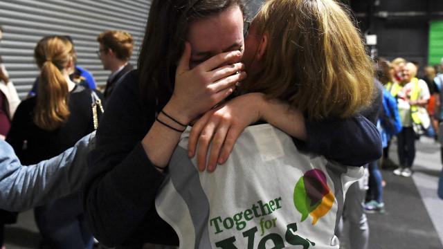 Grupo anti-aborto na Irlanda admite derrota no referendo