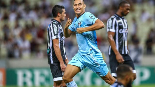 Grêmio bate Ceará e volta a vencer no Brasileiro após duas rodadas