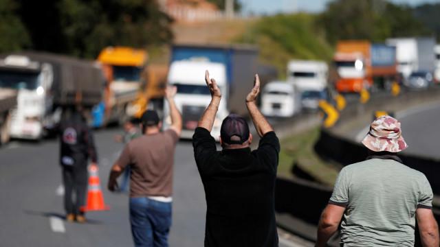 Autônomos se dizem satisfeitos e greve dos caminhoneiros pode acabar